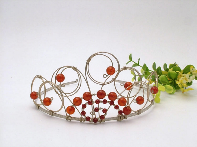 Medieval style bridal tiara on silver wire and red carnelian beads.