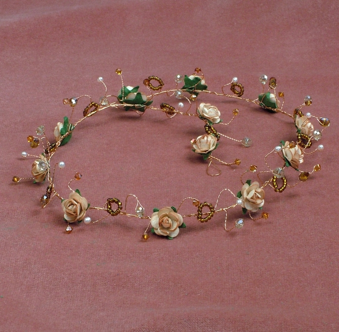 Long peach rose hair vine on gold wire