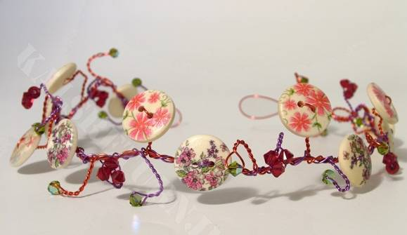 Prom or bridesmaid's hair vine with flower buttons on coloured wire with red and green Swarovski crystals