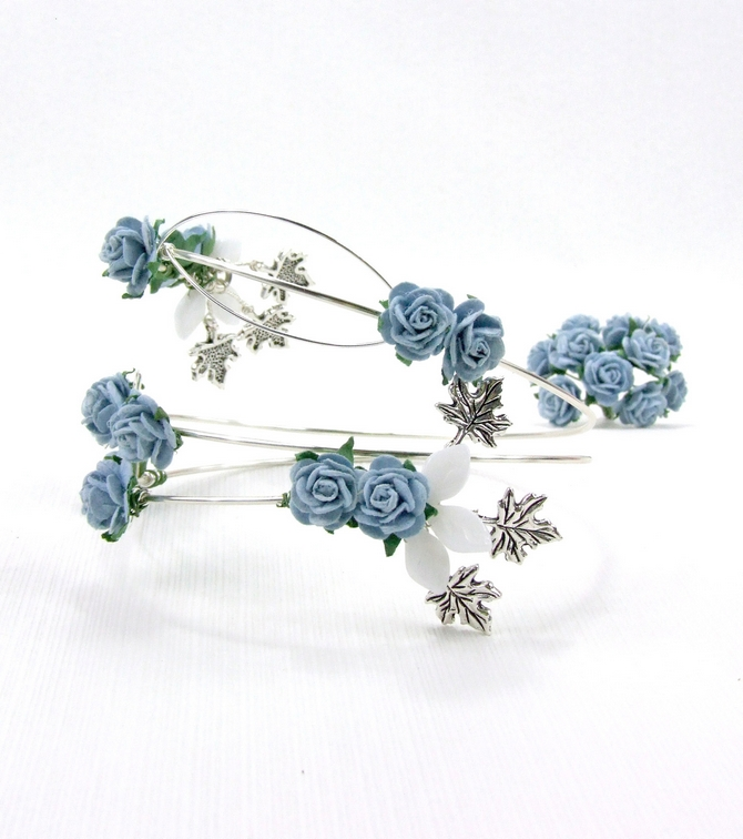 Upper arm bracelet, blue roses, silver wire. Ideal for Prom