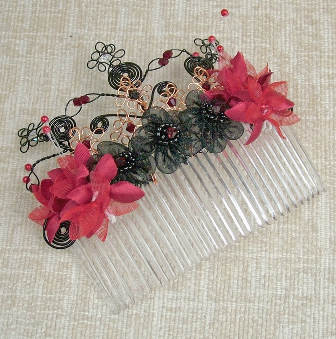 Red and black hair comb