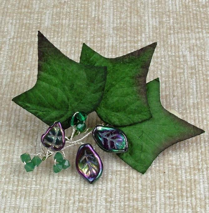 Ivy leaf hair accessory